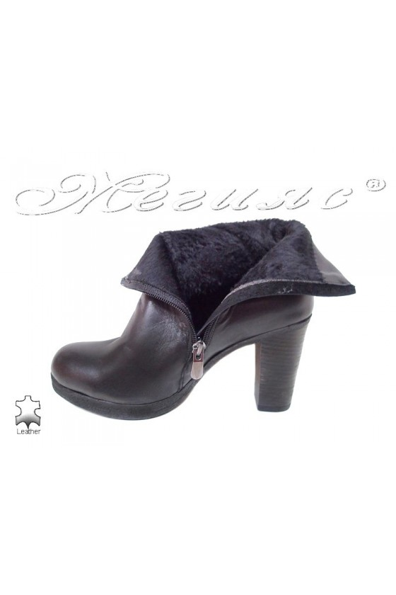 Women boots 55 black leather middle heel