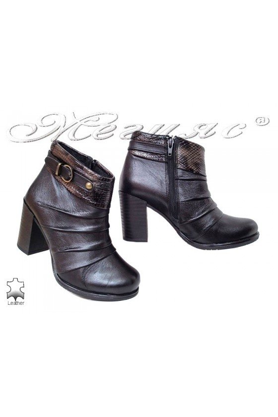 Women boots 206 black leather middle heel