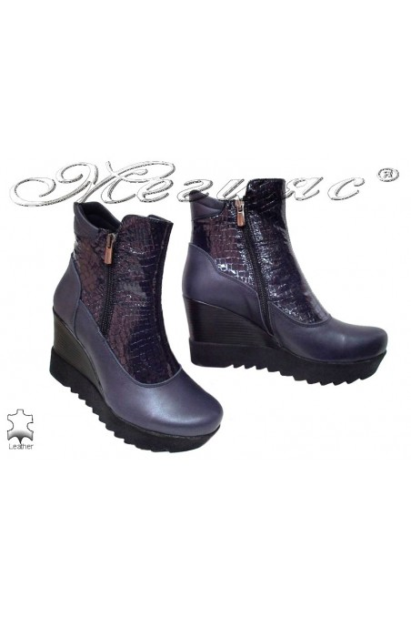 Women platform boots 85-50-16 blue leather