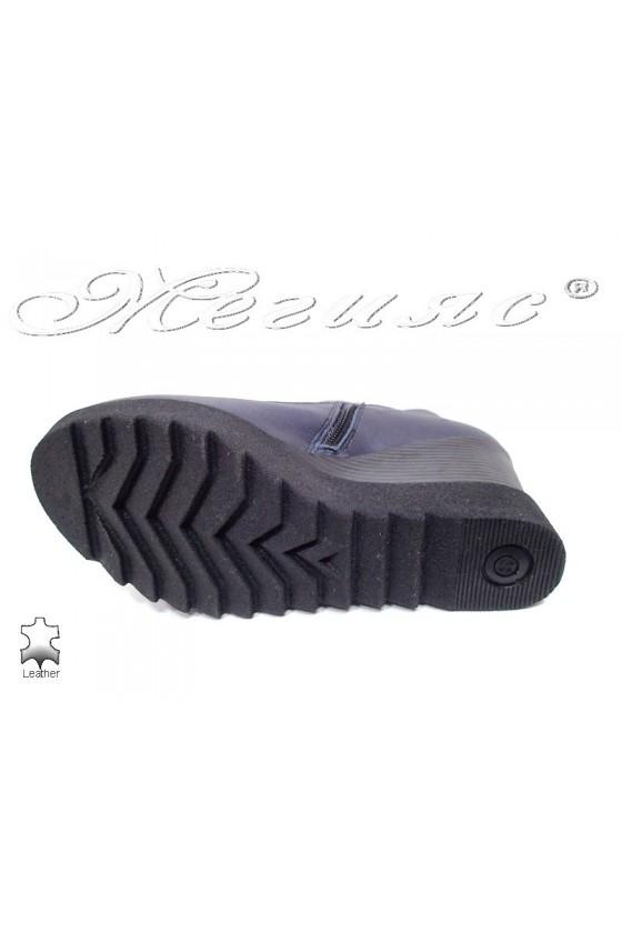Women platform boots  85-50-16 blue leather