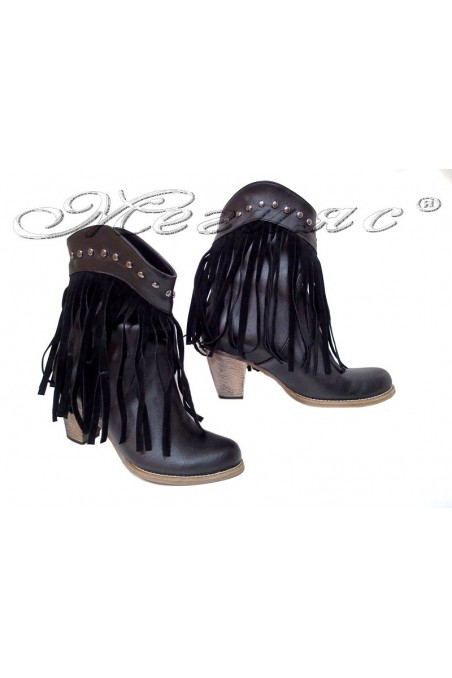 Woman ankle boot 16-40 black pu leather with fringed