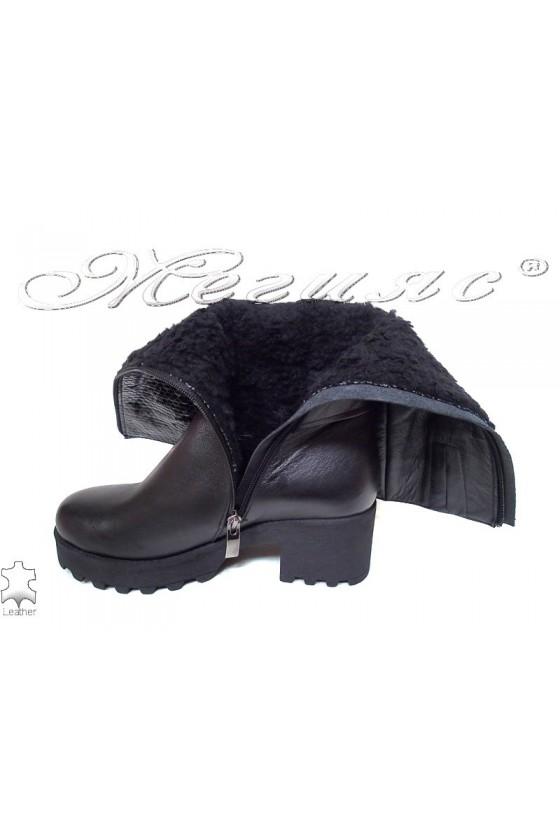 Дамски ботуши 250 черни кожа + лак естетвена кожа грайфер