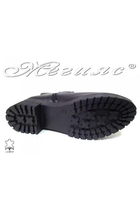Дамски ботуши 603 черни естетвена кожа грайфер