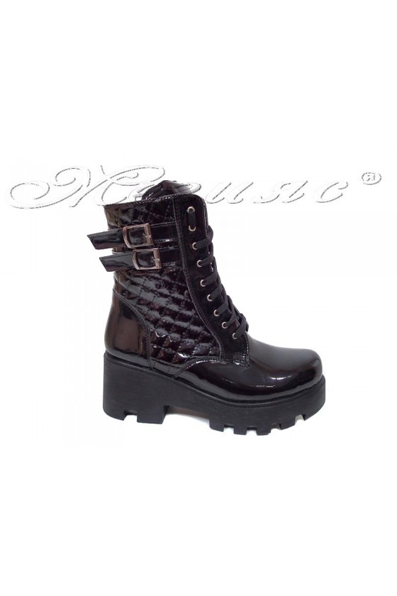Lady ankle boots 252 black patent middle heel