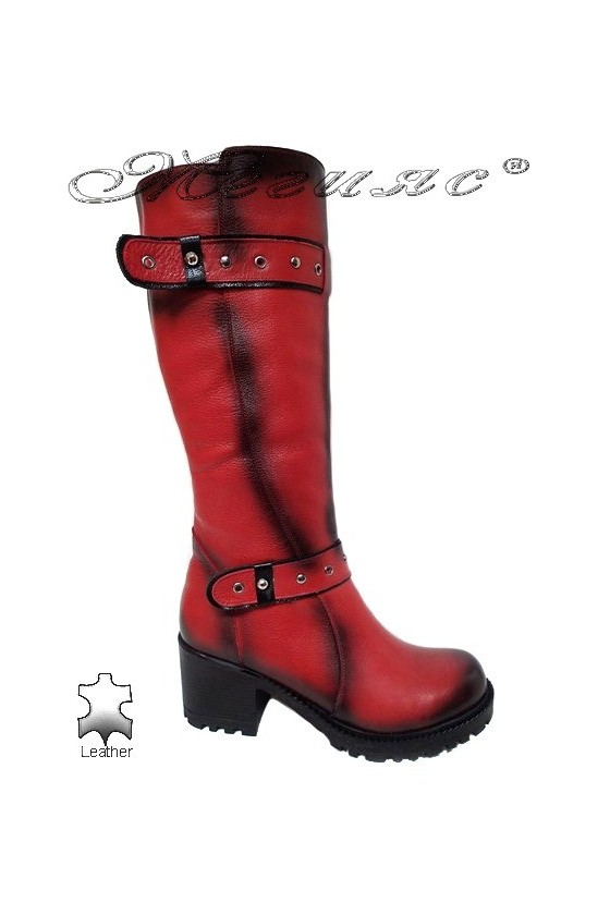 Дамски ботуши 802 червени с дебел грайфер от естествена кожа