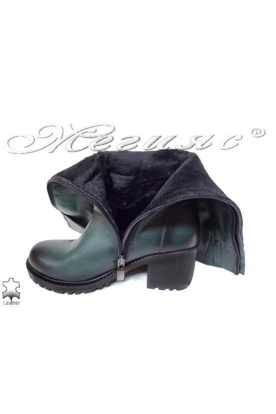Дамски ботуши 802 тъмно зелени с дебел грайфер от естествена кожа