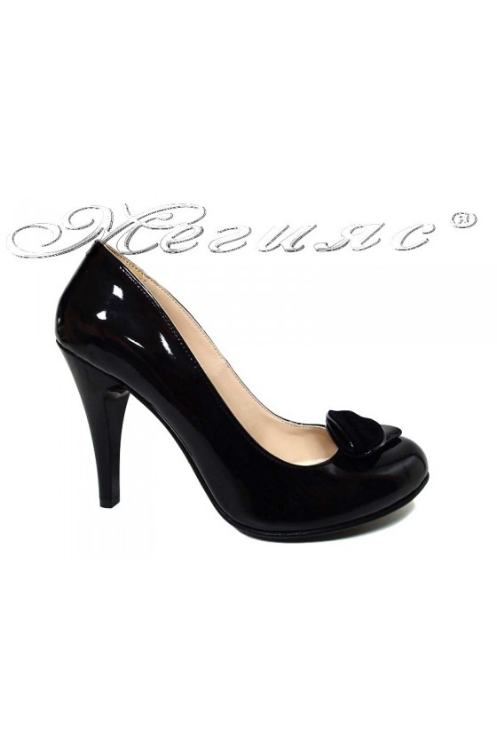 Women elegant shoes 301 black patent