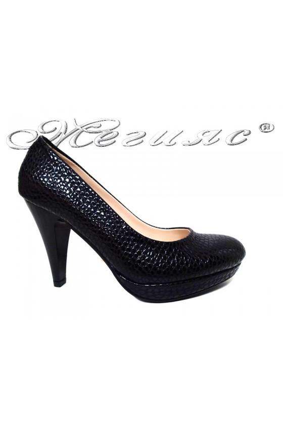 Дамски обувки 520 черни змия заоблени