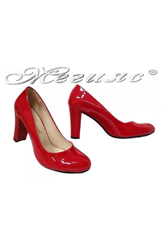 Дамски обувки 01203 червени лак елегантни заоблени висок ток широк