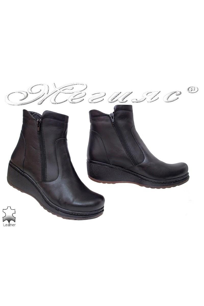 Дамски боти XXL 905-01 черни от естествена кожа