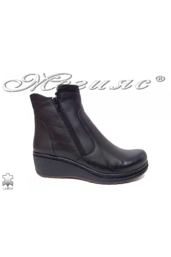 Women boots  XXL 905-01 black leather