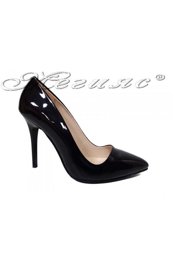 Дамски елегантни обувки 1503 черен лак остри висок ток
