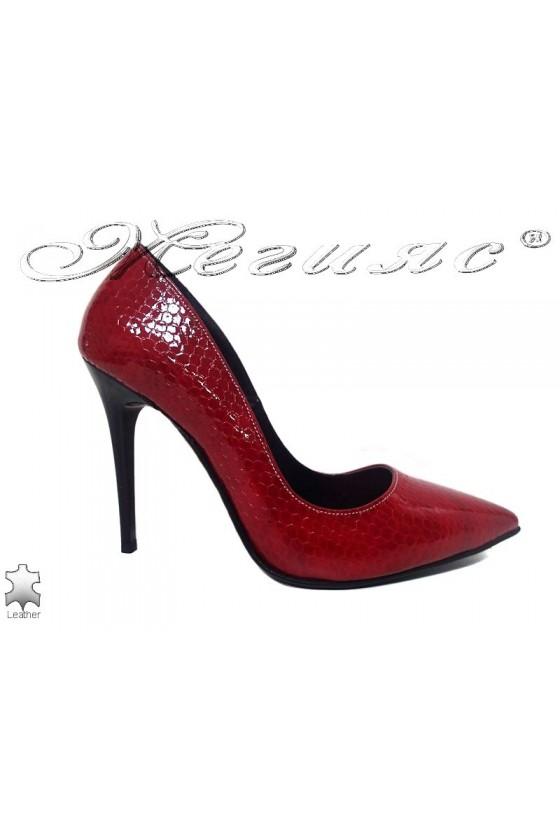 Дамски елегантни обувки 207 червена змия остри висок ток