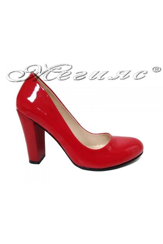 Дамски обувки червен лак на широк ток 13030/1330
