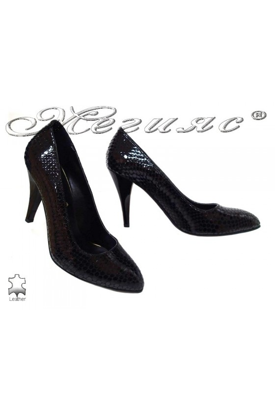 Lady shoes 250-50 black leather