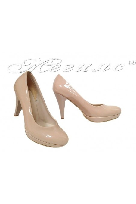 Дамски обувки 520 бежови лак заоблени с висок ток