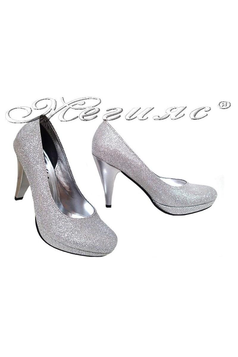 Дамски обувки 520 сини точки лак заоблени с висок ток