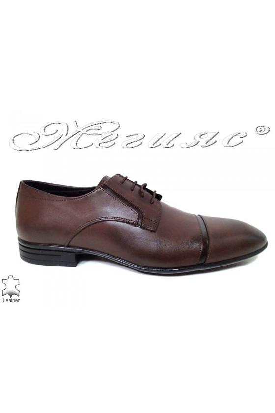 Men elegant shoes 16009 brown leather