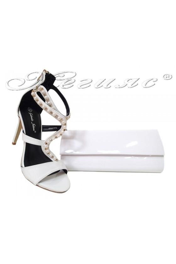 Комплект обувки 20S16-21 с чанта 373 бял лак