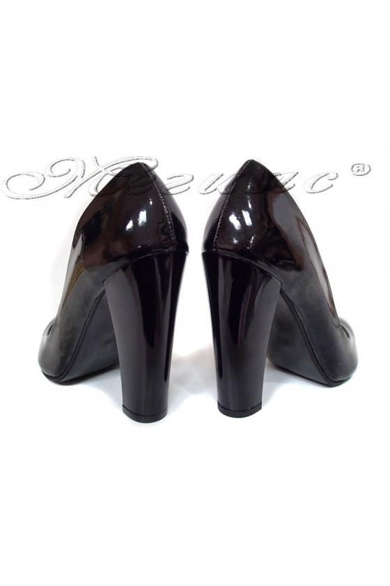 Lady elegant  shoes 195 black patent