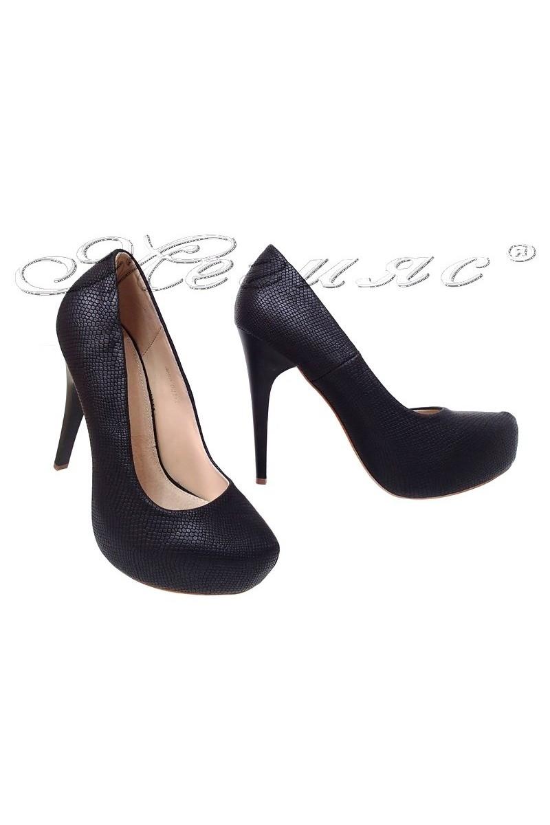 Дамски обувки JOHN 021-1 черни елегантни с висок ток