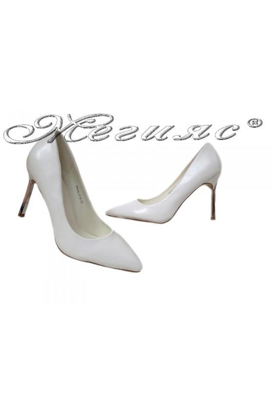 Дамски остри обувки Wendy 2016-05 бели на висок ток елегантни