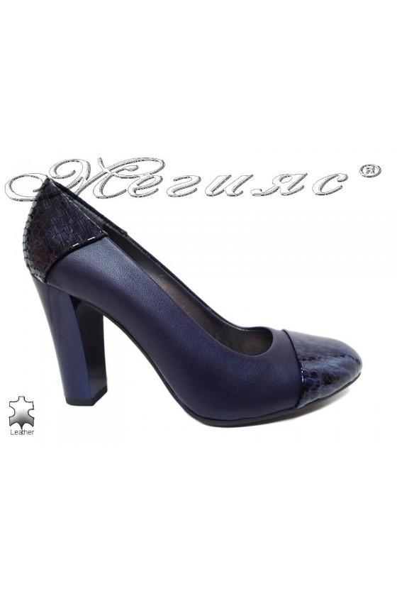Lady elegant shoes 75 blue leather