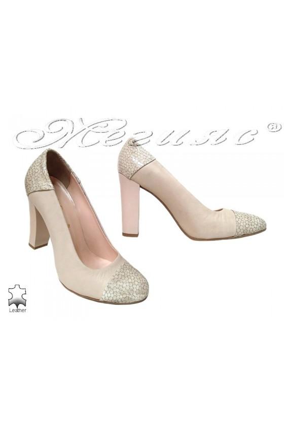 Lady elegant shoes 75 beige leather