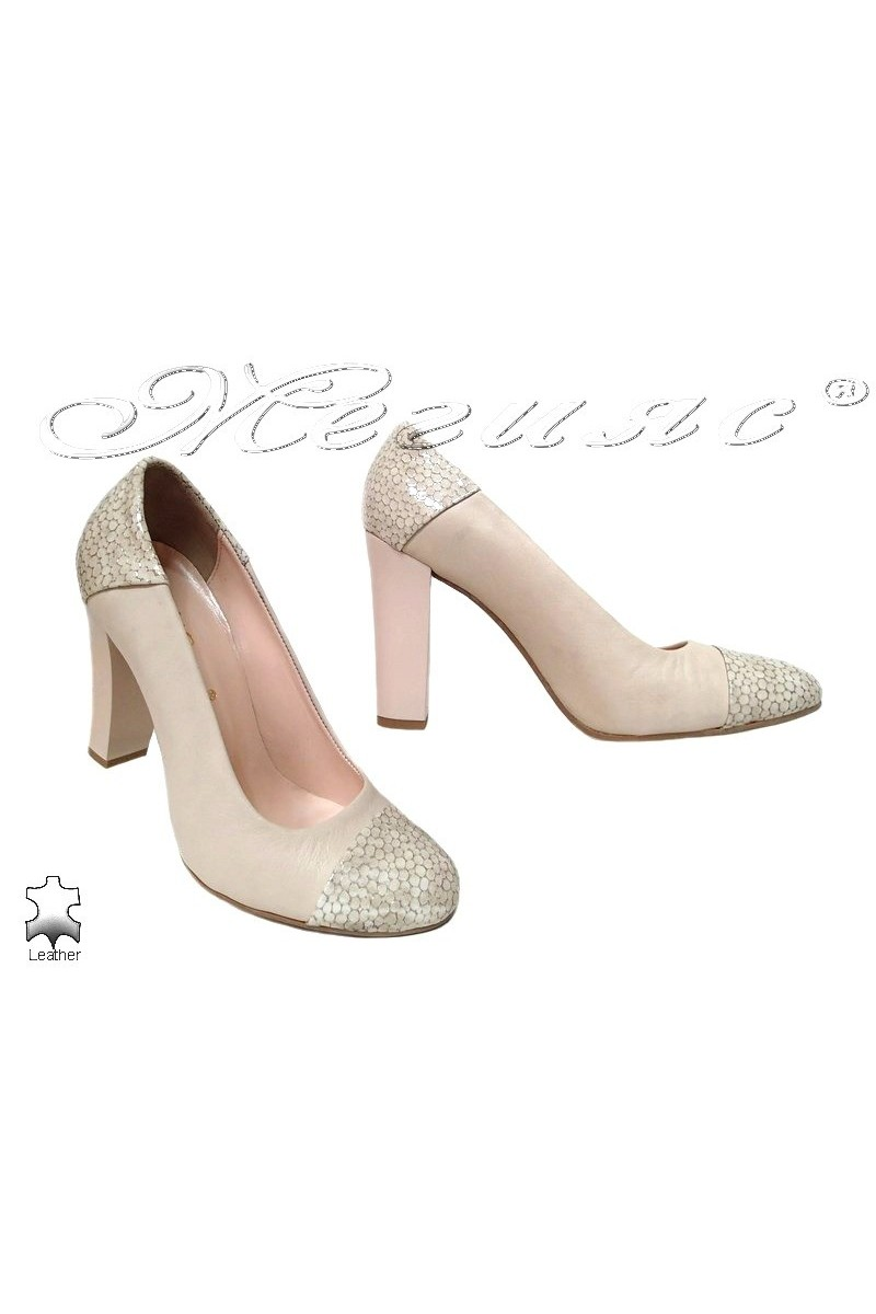 Lady elegant shoes 75 beige leather