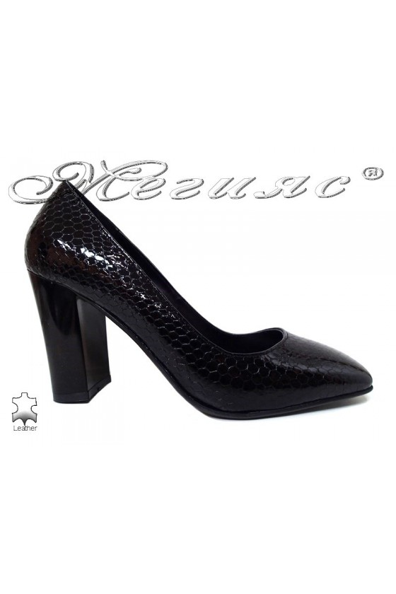 Lady shoes 301-50 black leather