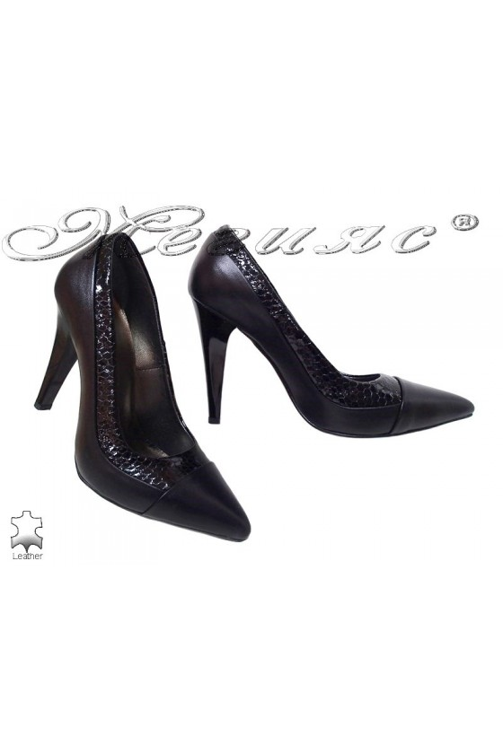 Lady shoes 540 black leather