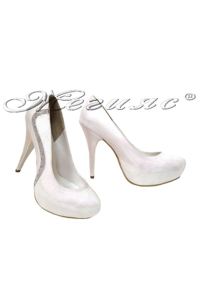 Дамски обувки 326-висок ток бели елегантни с камъни