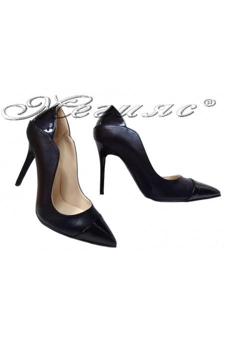 Women elegant shoes 369 black pu