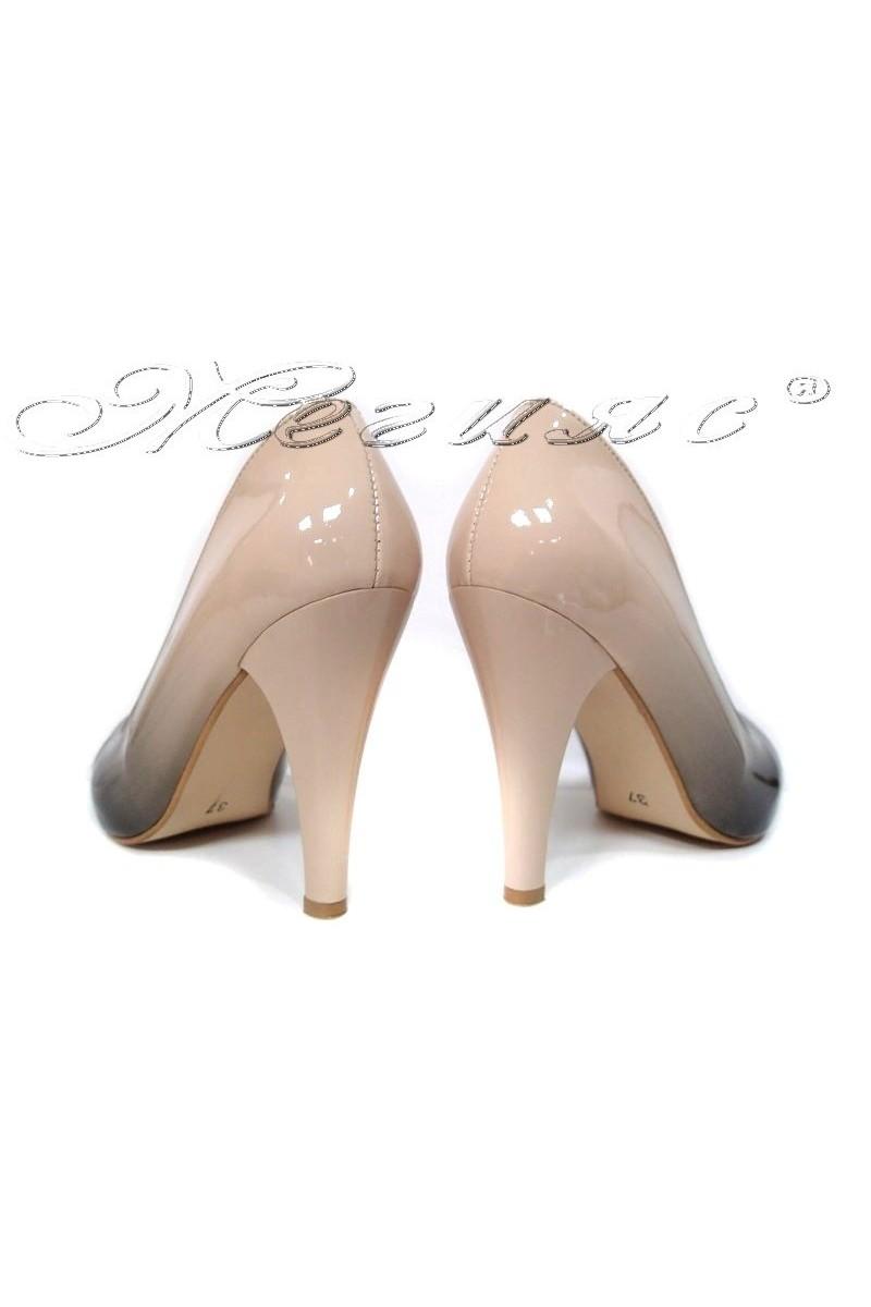 Дамски обувки 15 черно+бежово преливащ лак висок ток заоблени