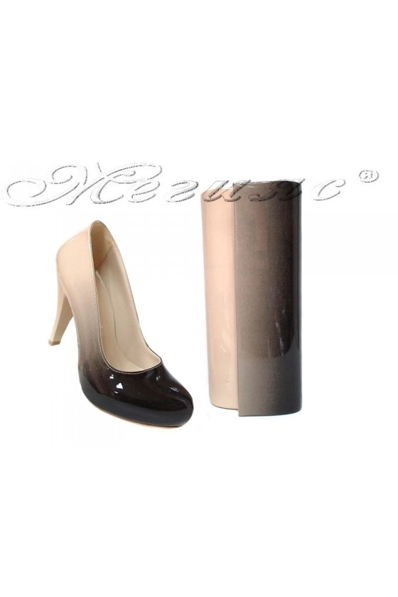 Комплект обувки 15-К бежови преливащ лак с чанта 373