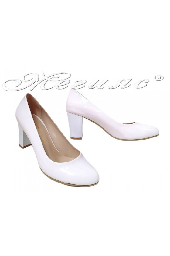 Lady elegant shoes 99 white patent with middle heel