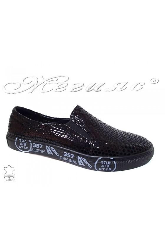 Мъжки спортни обувки 692-267 черни естествен лак