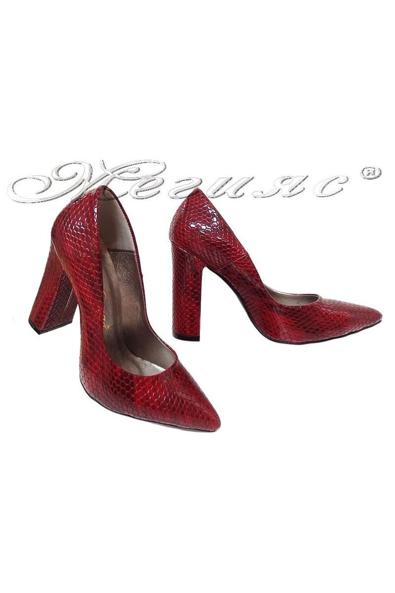 Дамски обувки 542 червени змия лак елегантни от еко кожа с широк ток