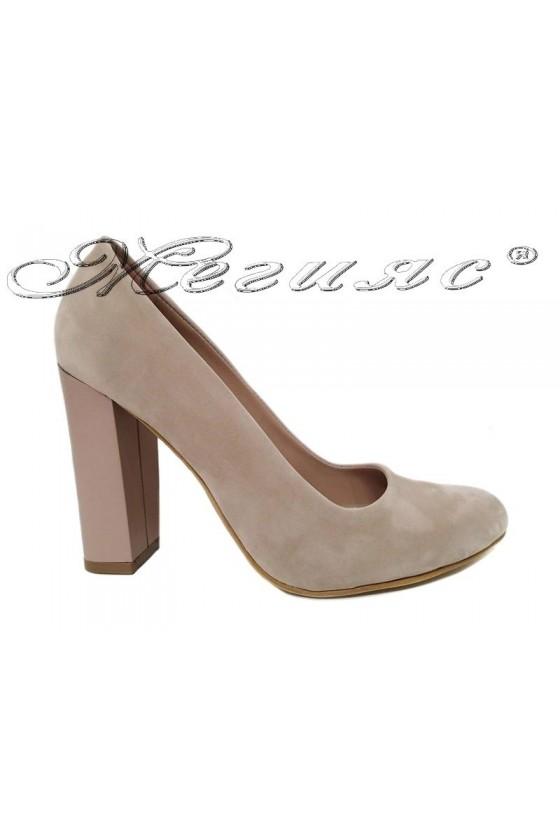 Women elegant shoes 706 beige suede