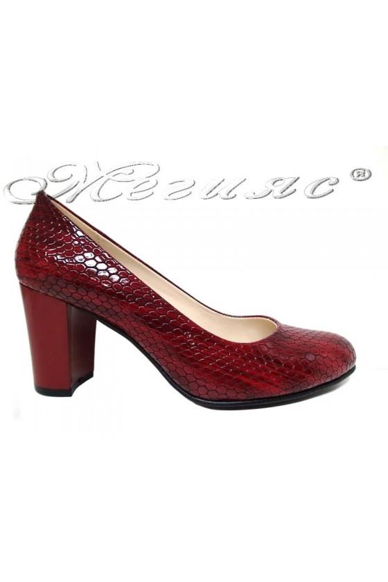 Дамски обувки 99 червен лак змия с широк ток
