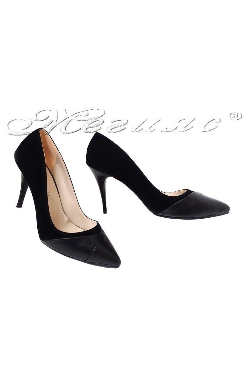 Дамски обувки 112 черни набук с еко кожа елегантни остри със среден ток