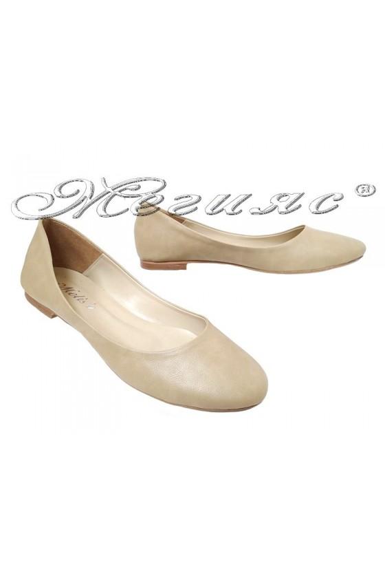 Дамски обувки XXL 101-62 гигант тип пантофка бежова еко кожа