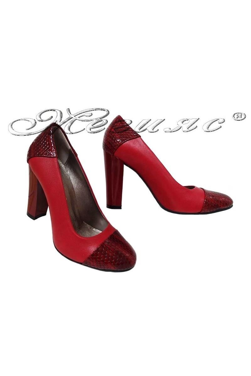 Дамски обувки 75 еко кожа червени с широк ток