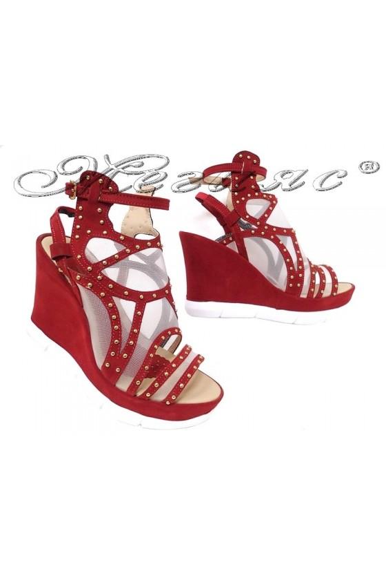 Дамски сандали 14 бордо велур с мрежа на платформа
