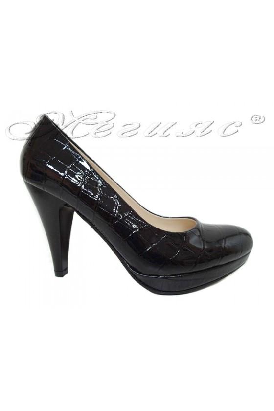 Ladies elegant shoes 520 black patent high heel