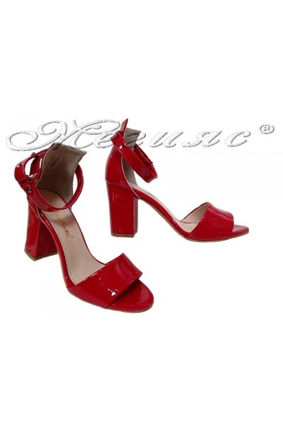 Дамски сандали 143 червен лак елегантни среден широк ток