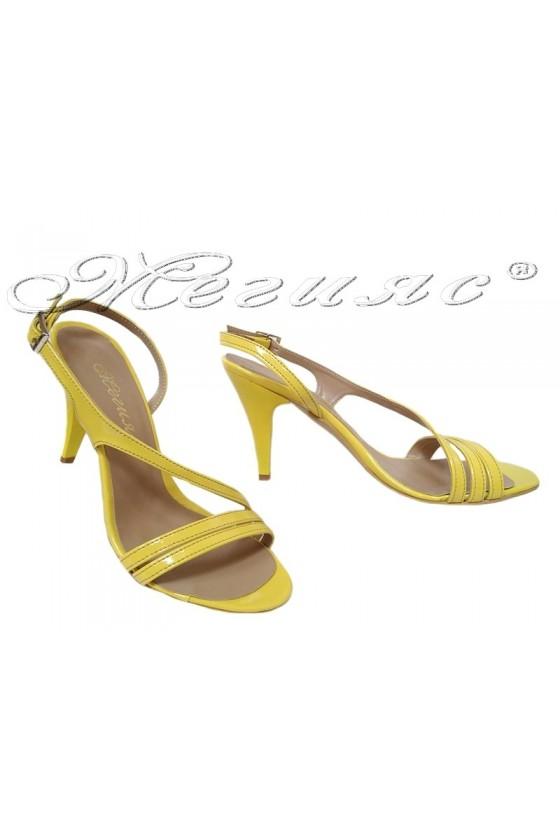 Дамски сандали 106 ярко жълт лак елегантни с висок ток