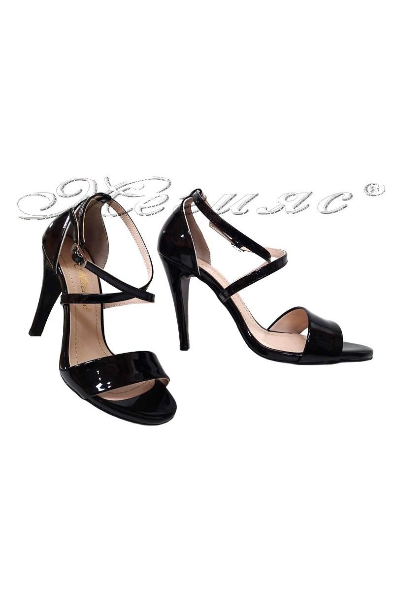 Дамски сандали 107 черни лак елегантни с висок ток