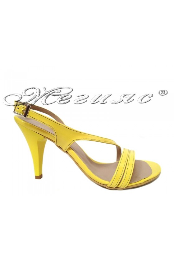 Lady elegant sandals 106 yellow patent