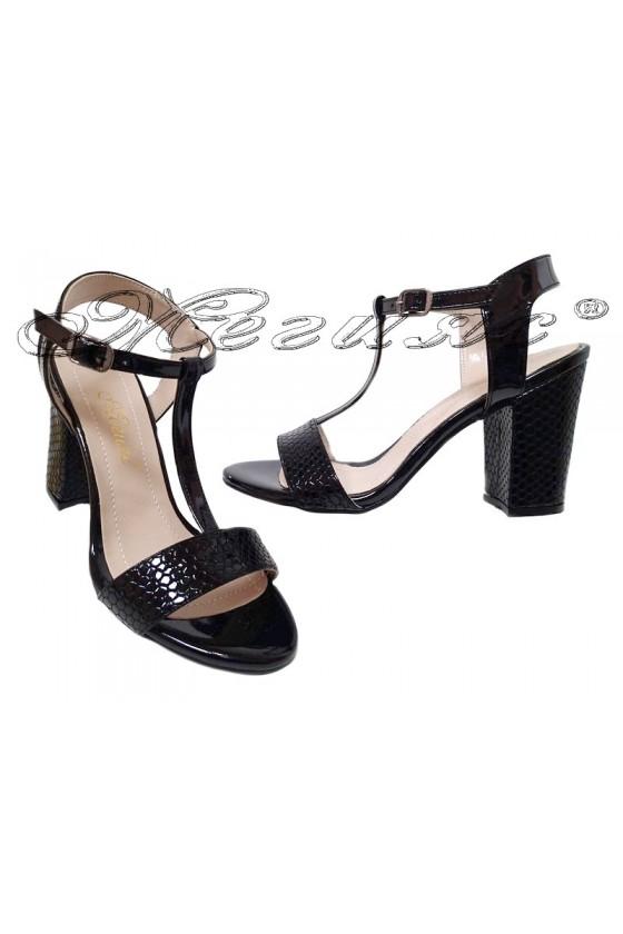 Дамски сандали 587 черни кроко лак на широк ток